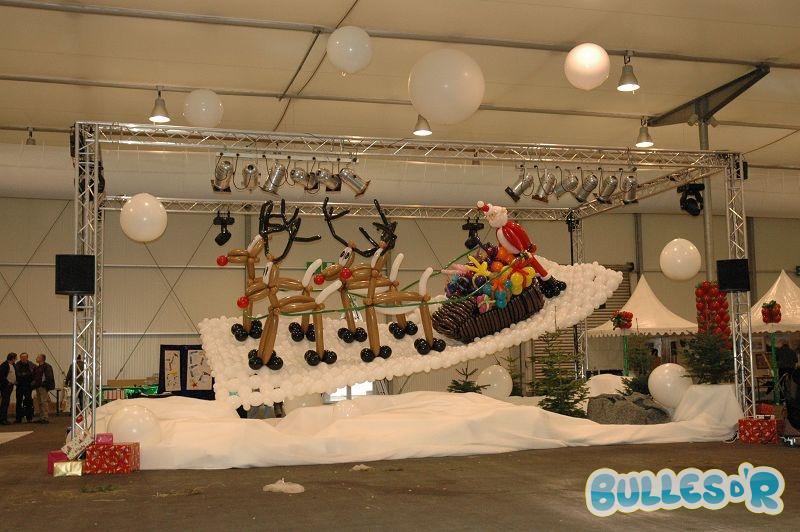 Decoration decoration de noel pour professionnel  Bullesdr Décoration pour professionnels en ballons Fête