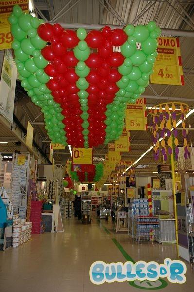 Bulles_d_R_L_univers_du_ballon_Decoration_ballons_quinzaine_commerciale_Leroy_Merlin__2_-333