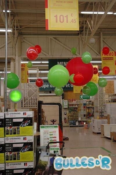 Bulles_d_R_L_univers_du_ballon_Decoration_ballons_quinzaine_commerciale_Leroy_Merlin__4_-335