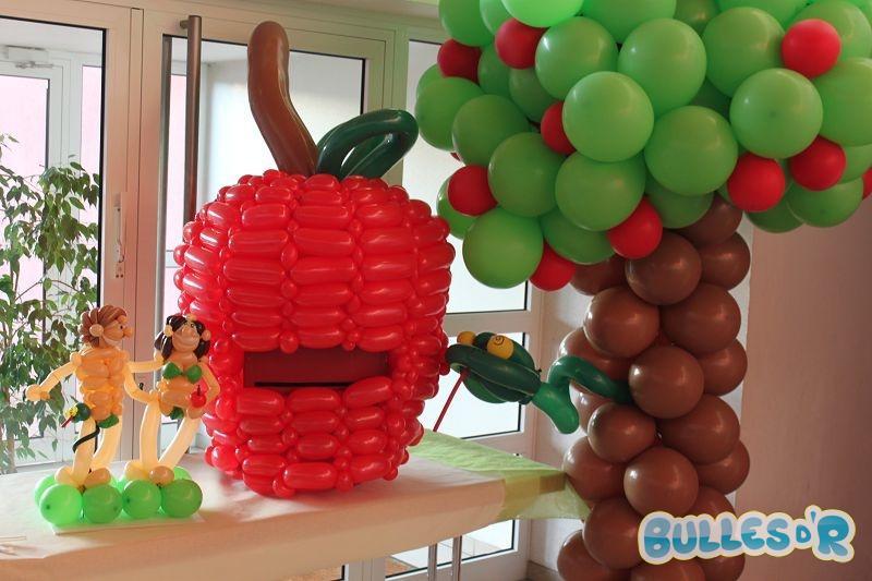 Bulles_d_R_L_univers_du_ballon_Decoration_mariage_ballons_blanc_rouge_vert_anis__1_-534