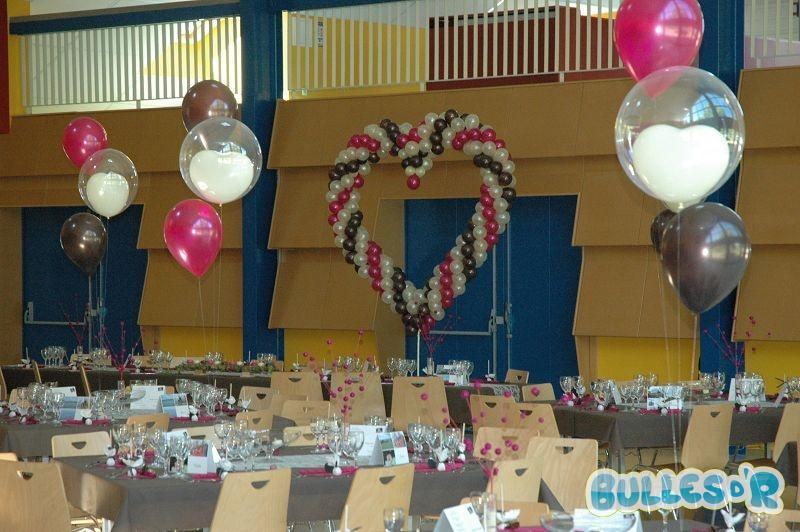 Bulles_d_R_L_univers_du_ballon_Decoration_mariage_ballons_ivoire_chocolat_fuchsia__3_-567