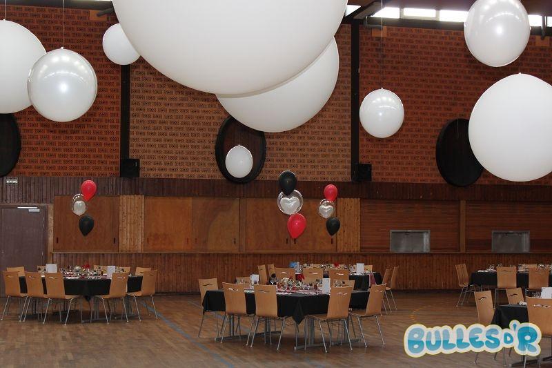Bulles_d_R_L_univers_du_ballon_Decoration_mariage_ballons_rouge_blanc_noir__1_-496