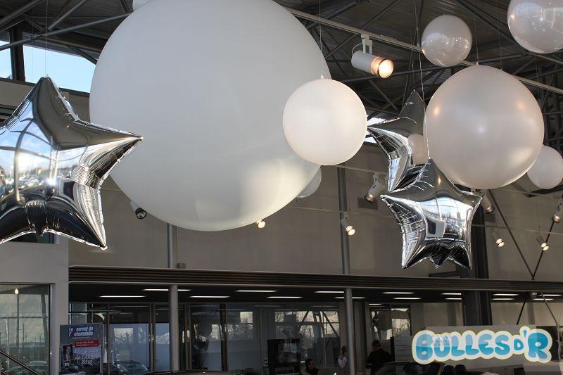 Bulles_d_R_L_univers_du_ballon_decoration_ballons_geants_blanc_et___toile_argent__3_-305