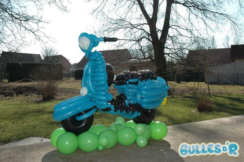 Bulles_d_R_L_univers_du_ballon_id__es_cadeaux_engin_scooter-835