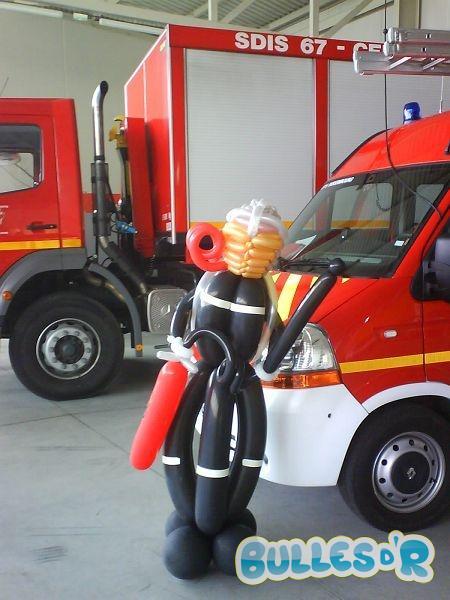 Bulles_d_R_L_univers_du_ballon_id__es_personnage_pompier-825