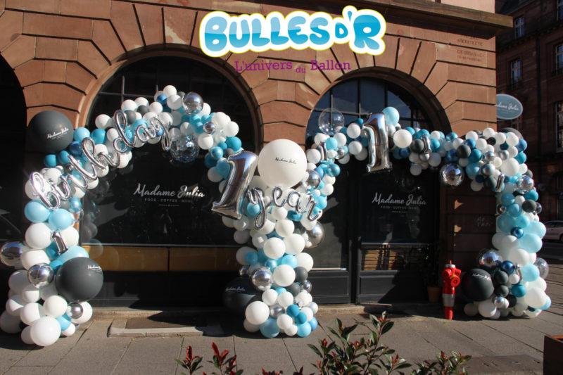 Anniversaire : arche de ballons déstructurée